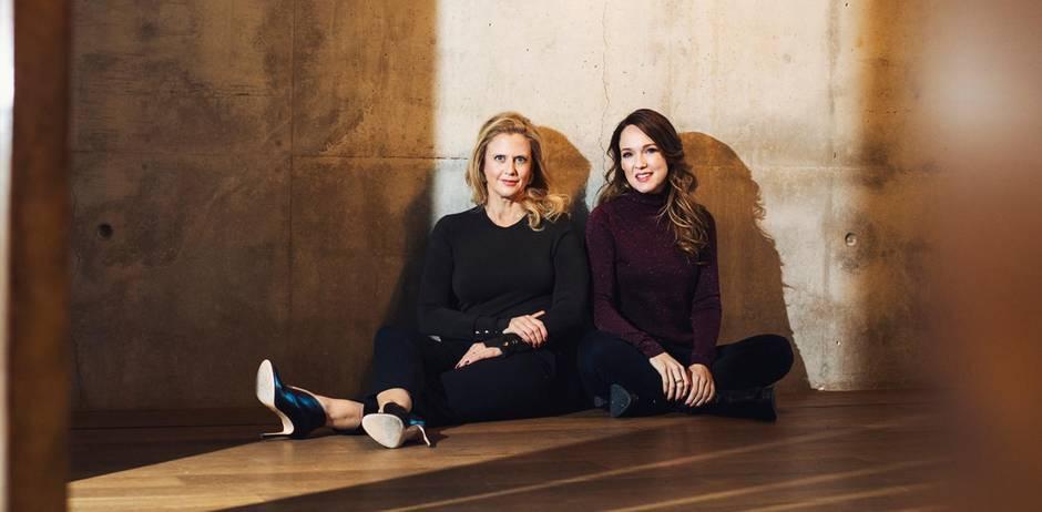 Barbara Schöneberger und Carolin Kebekus