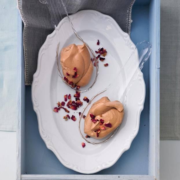 Schokoladen-Mousse mit Pfefferbeeren