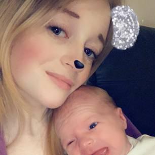 Baby kommt mit Hexenzahn zur Welt