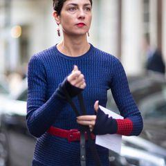 Kurzhaarfrisuren: Frau mit fransigem Kurzhaarschnitt