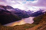 Idylle pur:Entlang der Haute Route fällt der Blick immer wieder auf tiefer gelegene Bergseen.