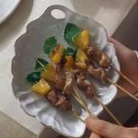Marinierte Fleischspießchen mit Ananas