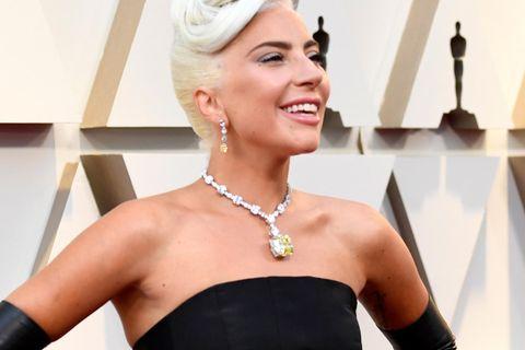 Lady Gaga bei den Oscars: Das ist das Geheimnis hinter ihrem 26-Millionen-Euro-Look