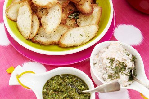Baguette-Chips mit Dips
