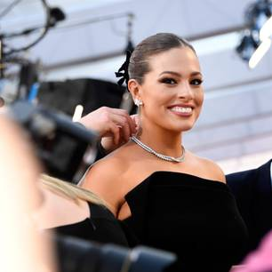 Trendfrisur der Oscars 2019: Ashley Graham mit Dutt