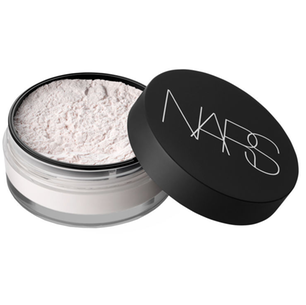 Make-up auffrischen: Nars Light Reflecting Loose Setting Powder