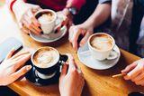Kraftquellen der Redaktion: Frauen beim Kaffeetrinken