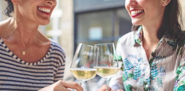 Day Drinking: Sieben Gründe, warum Prosecco am Nachmittag gut für uns ist. Echt jetzt.