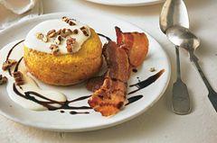 Kürbis-Küchlein mit Parmesan-Soße