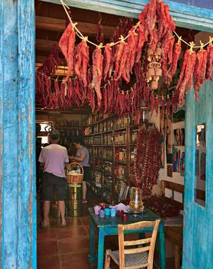 Reisen mit Kind: Tipps für einen Familienurlaub auf Kreta - Kräuterladen auf Kreta