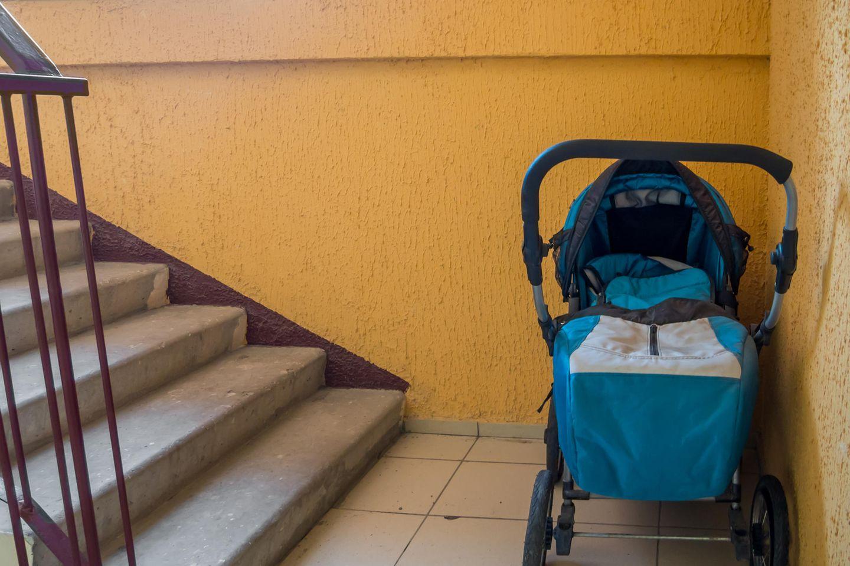 Kinderwagen im Treppenhaus: Erlaubt?