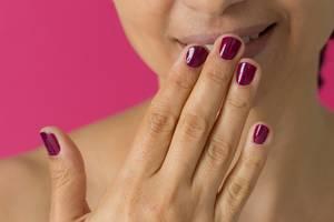 Brazilian Manicure: Mit diesem Trick kann wirklich jeder Nägel ordentlich lackieren