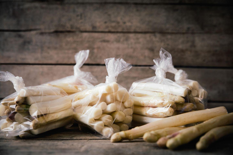 Spargel einfrieren: Spargel im Gefrierbeutel
