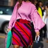 Pink: Frau mit pinker Bluse