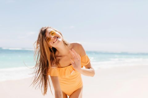 Bikini-Trends: Frau am Strand