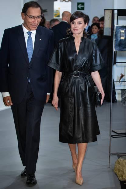 Royals, die günstige Kleidung tragen: Königin Letizia von Spanien im Lederkleid