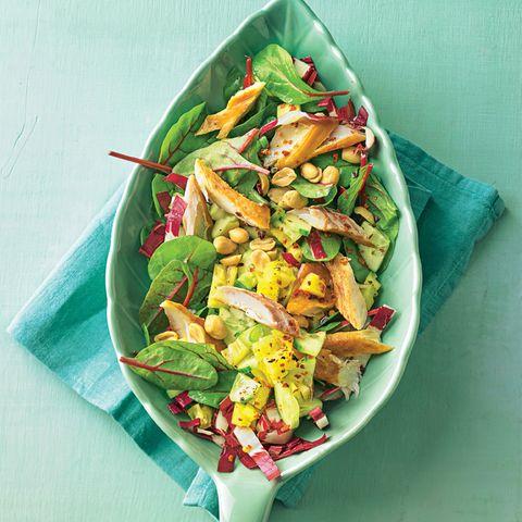 Gurken-Ananas-Salat mit Makrele