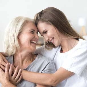 In diesem Alter sind sich Mütter & Töchter am ähnlichsten