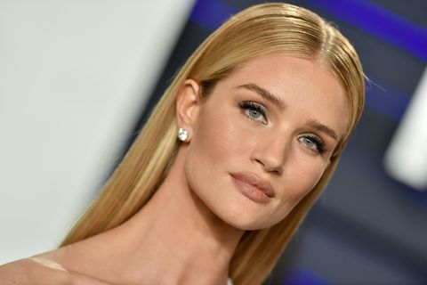 Augenbrauentrends 2019: Rosie Huntington-Whiteley mit Natural Brows