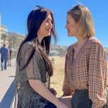 Lesbische Beziehung: Vanessa und Ina strahlen einander an