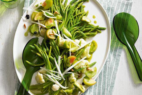 Grüner Wildspargelsalat