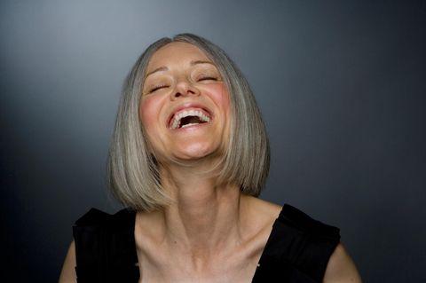 Fünf Gründe, warum es super ist, graue Haare zu bekommen