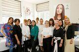 In der Styling-Lounge kümmert sich das Team rund um Stephanie Dettmann und Christina Roth von UND GRETEL um das perfekte Red-Carpet-Make-up.