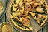 Spinat-Tarte mit Pilzen und Taleggio