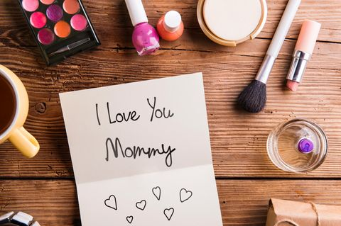 10 Beauty-Produkte, auf die unsere Mütter schwören!