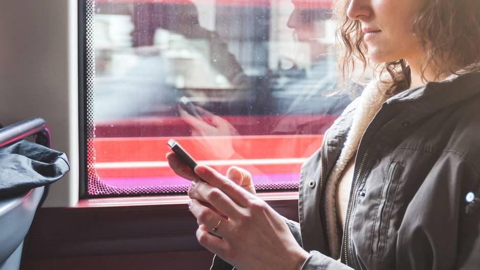 Busfenster: Warum gibt es die schwarzen Punkte an der Scheibe?