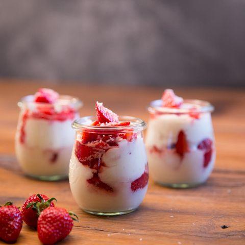 Erdbeer-Dessert: Erdbeer-Kokos-Dessert