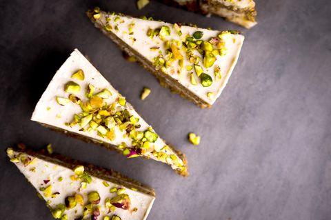 Käse-Sahne-Torte mit Pistazien