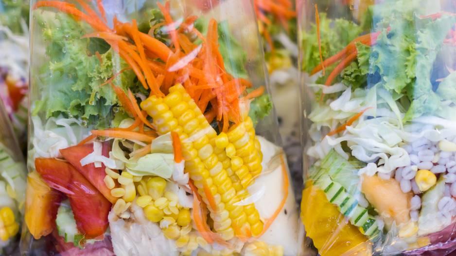 Abgepackter Salat: Auf diese Ekelteile musst Du achten