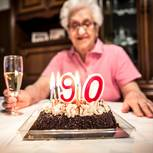 WHO: Omi feiert 90. Geburtstag
