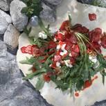 Rauke-Salat mit Walnuss und Erdbeerchips