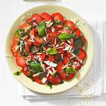Erdbeer-Carpaccio mit süßem Pesto