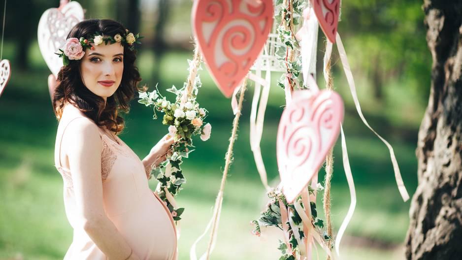 Schwangere Brautjungfer: So widerwärtig ist die Reaktion dieser Braut