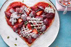 Muttertagstorte: Erdbeerherz