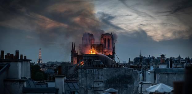 """Zerstörung von Notre-Dame: """"Uns blutet das Herz"""""""