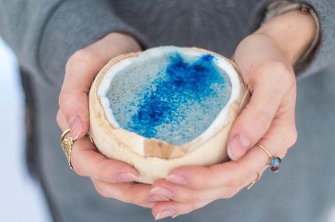 Schlumpf-Latte: Blauer Latte Macchiato