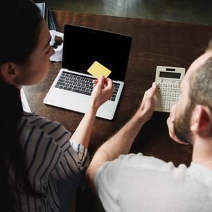 """Geld und Liebe: """"Wer die Wahrheit über eine Beziehung wissen will sollte über Geld reden"""""""