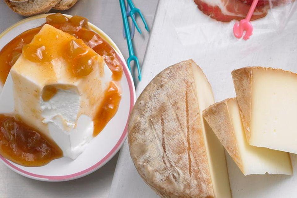 Ziegenfrischkäse mit Mango-Chutney