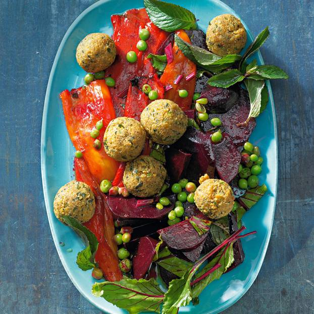 Paprika Rote Bete Salat Mit Kichererbsen Bällchen Brigittede