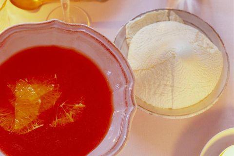 Zitrussuppe mit Joghurt