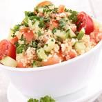 Tomaten-Gurken-Salat mit Couscous