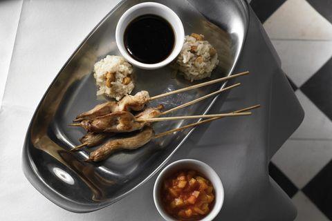 Hänchen Saté mit Dip und Tee-Reis