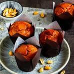 Muffins mit Erdnüssen und weißer Schokolade
