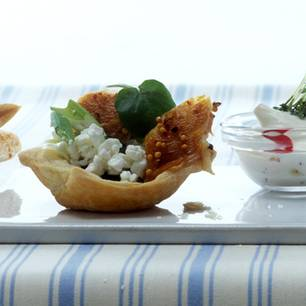 Mini-Quiches mit körnigem Frischkäse