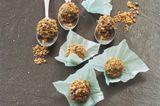 Ingwer-Trüffel mit pfeffriger Krokantkruste