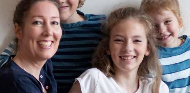 Miriam Sommer managt ihr Business – und ihre drei Kids